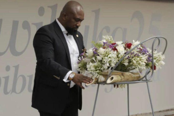www.aamn.africa_Osita-Oparauga-laying-wreath-at-the-Genocide-memorial-center-in-Rwanda-2